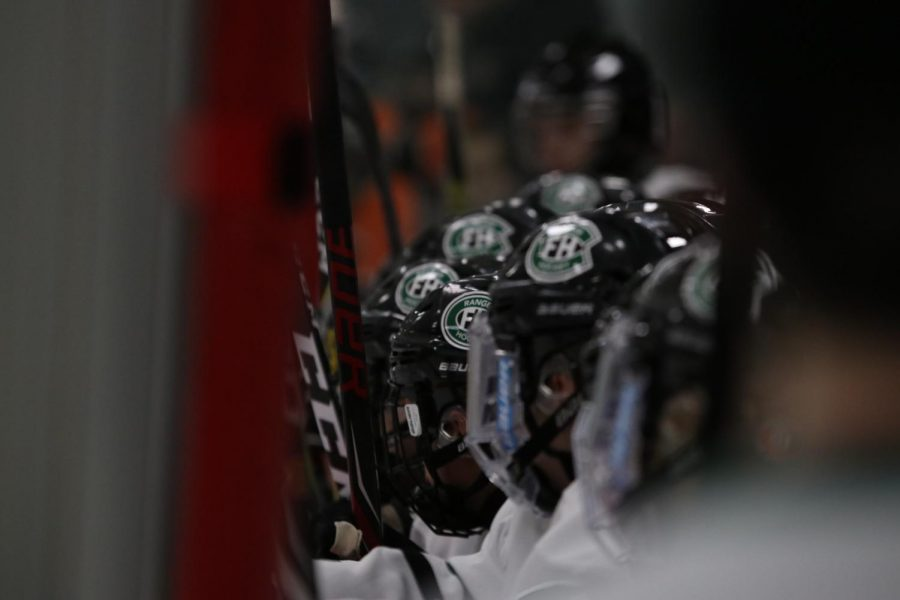 Hockey extends winning streak to six games with wins over Birmingham Unified and Northville