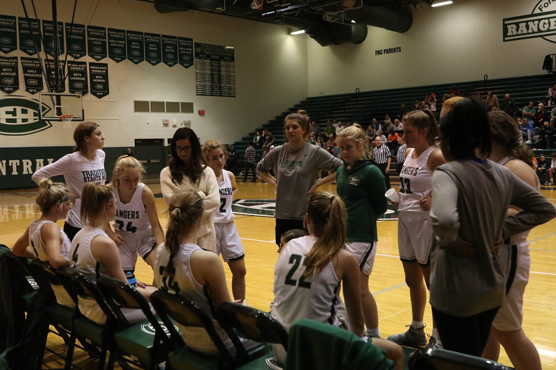 Girls+varsity+basketball+suffers+first+conference+loss+to+rival+FHN+58-55