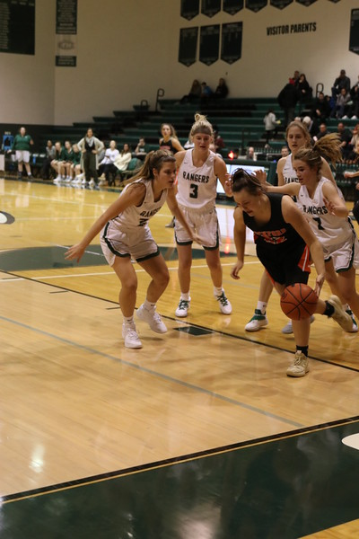 Girls varsity basketball picks up fourth-straight victory in 43-28 win against Lowell