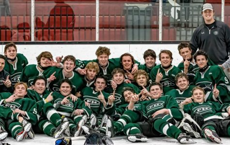 Hockey clinches conference championship with 7-2 win over Lowell/Caledonia