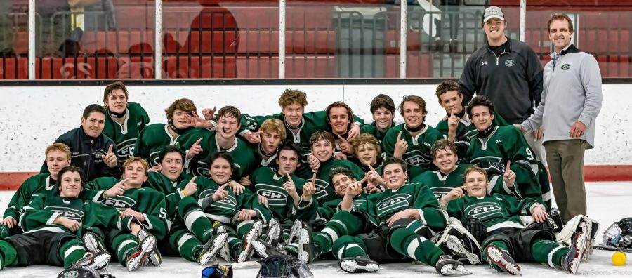 Hockey+clinches+conference+championship+with+7-2+win+over+Lowell%2FCaledonia