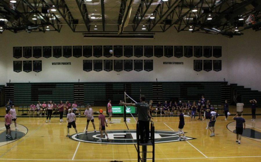 Macho Volleyball: Photo Gallery