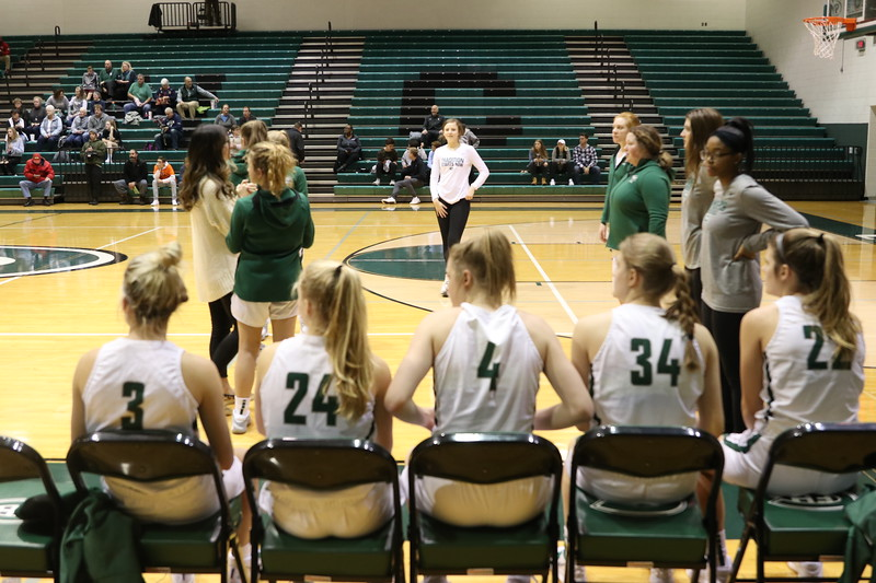 Turnovers+hurt+girls+varsity+basketball+in+57-52+loss+to+Forest+Hills+Northern