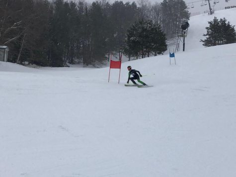 Varsity Ski team faced harsh weather conditions in its second conference race