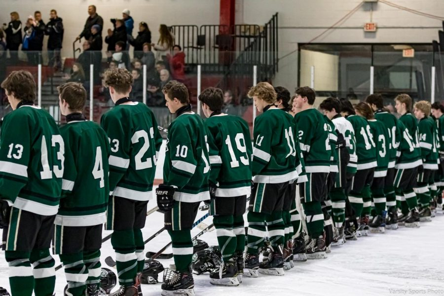 Hockey suffers season-ending 5-0 loss to GR Catholic Central in Regional final
