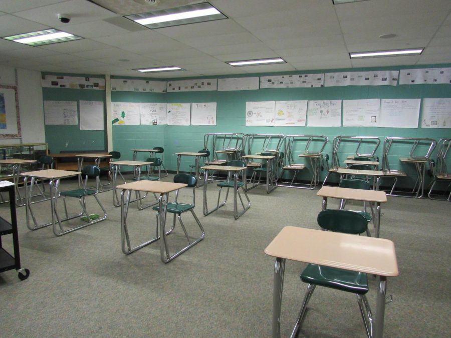 An+empty+classroom+adjusted+to+fit+the+COVID+protocols