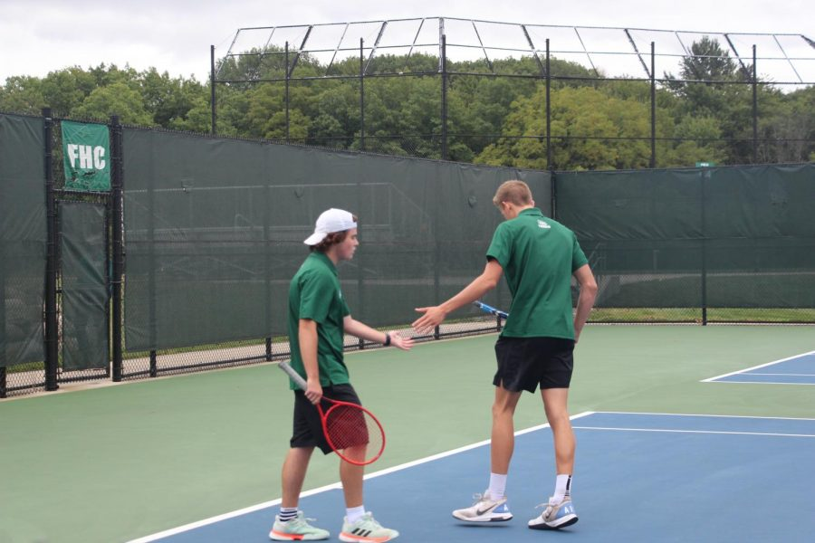 Varsity tennis fights hard but goes 0-1-1 for their quad over the weekend