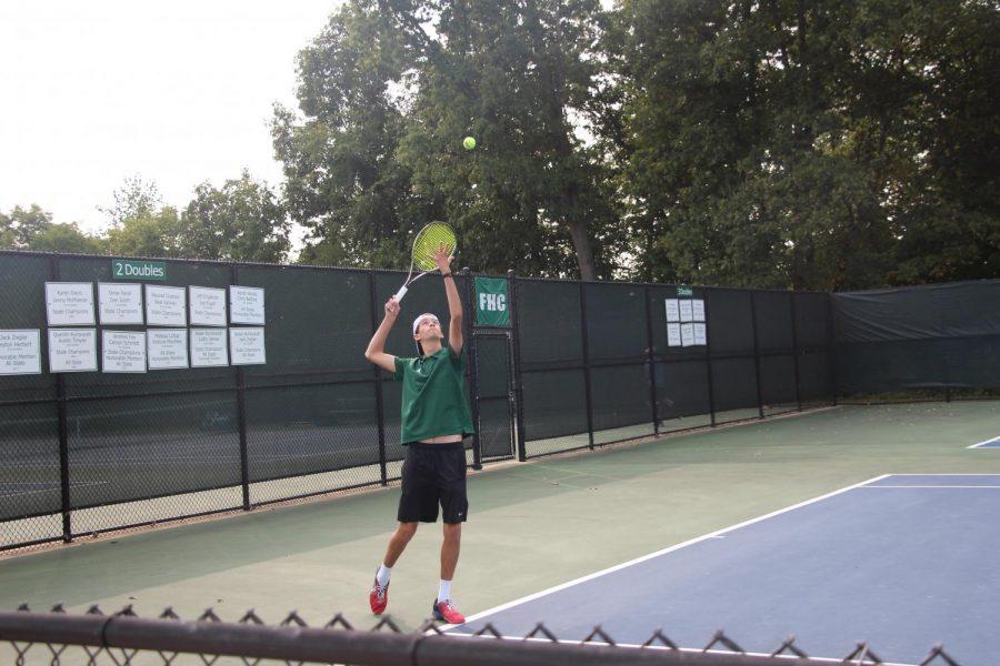 Boys+varsity+tennis+wins+all+three+matches+at+their+quad+in+West+Ottawa