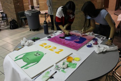 Senior Tile Painting 2020: Photo Gallery