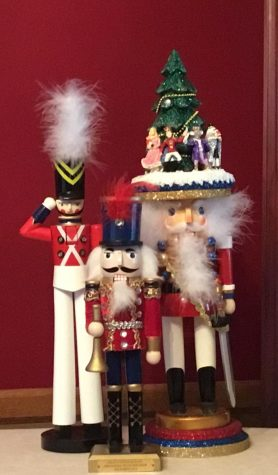 My nutcrackers tell me stories