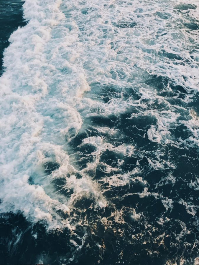 Here's a picture of the ocean. There's no meaning, just for the ~aesthetic~