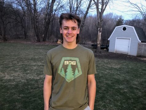 Connor DeFouw finds a close-knit family within the FHC hockey team