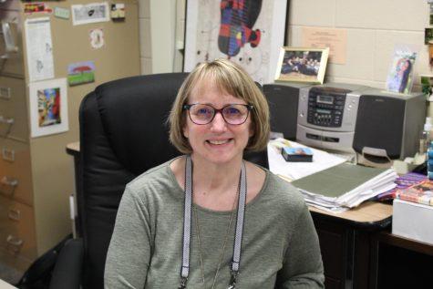 Señora Dykhouse has been a Spanish teacher at FHC for 35 years
